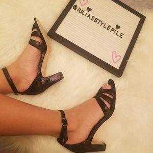 NWT black Vaneli Sandals size 7.5